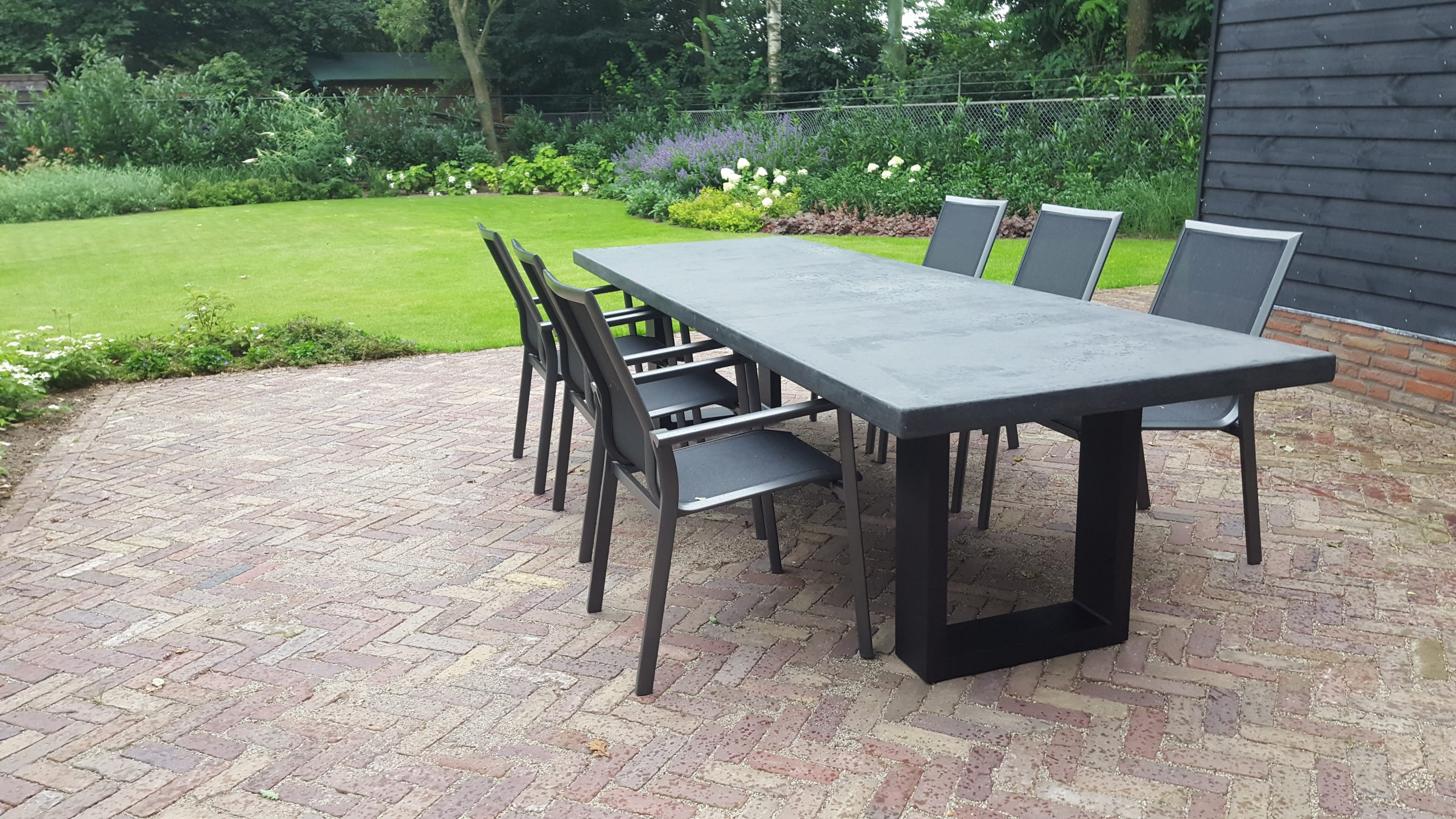 Betonlook tafel - Base 2 - Antraciet (2)